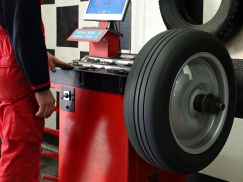 Servicios reparación y puesta a punto de neumáticos